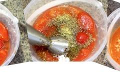 tomato na pizzu loupaná rajčata