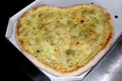 QUATTRO FORMAGGI Pizza ve tvaru srdce